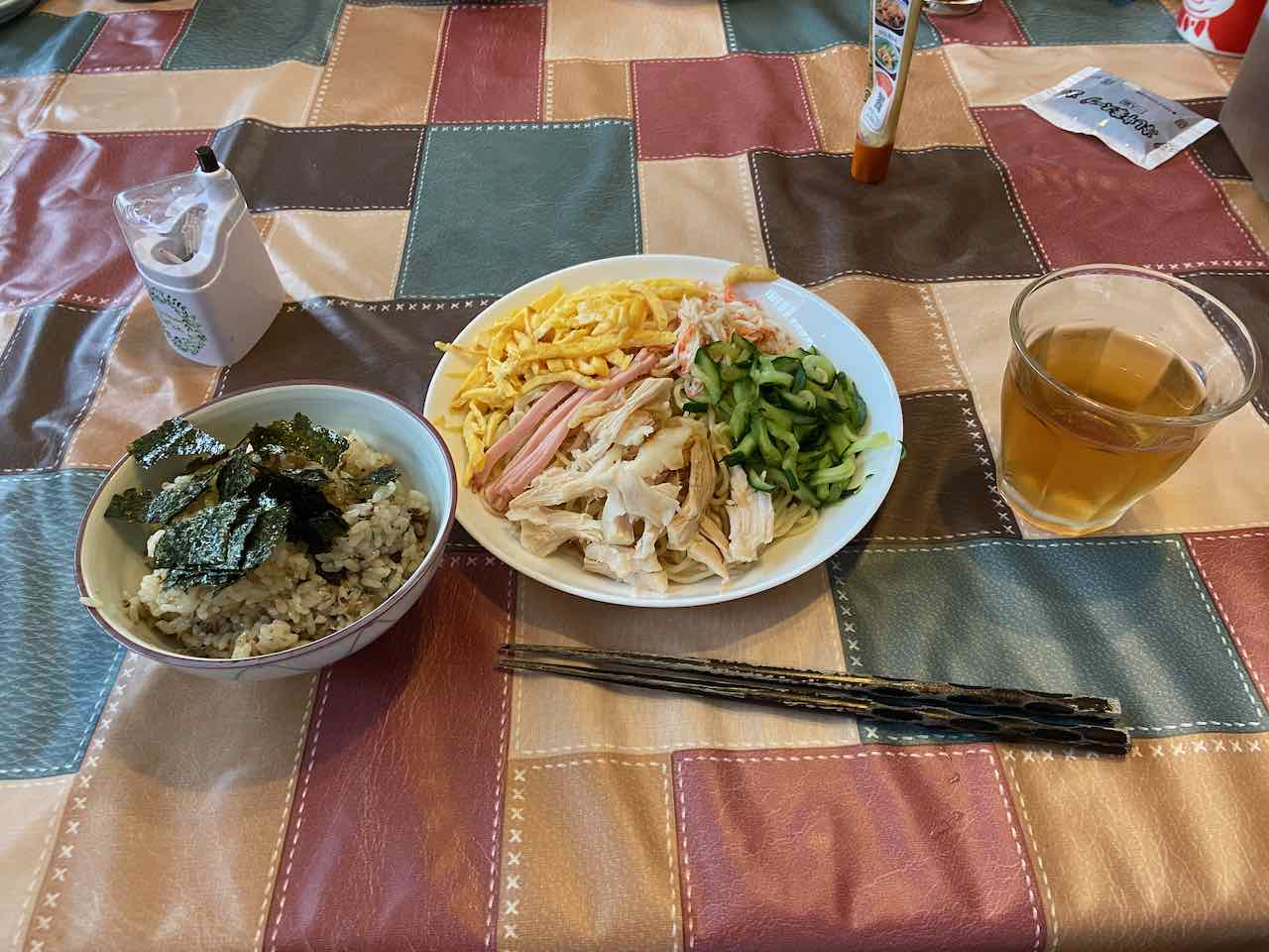 昼食 冷麺